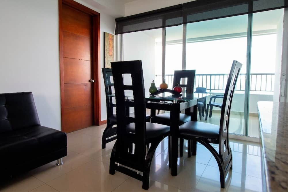 Premier Apartment - In-Room Dining