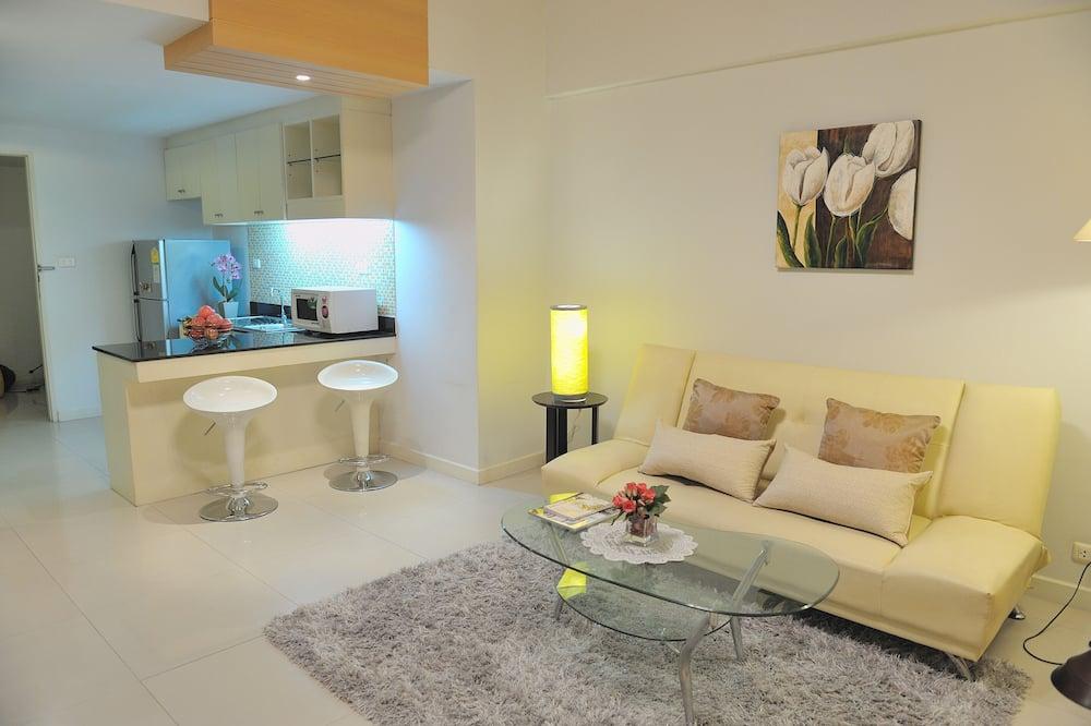 Superior Apartment, 1 Bedroom, Non Smoking, Kitchenette - Living Area