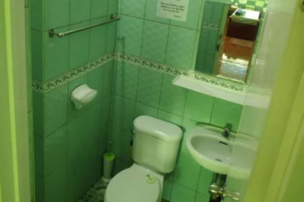 Deluxe Split Type AC (5) - Bathroom