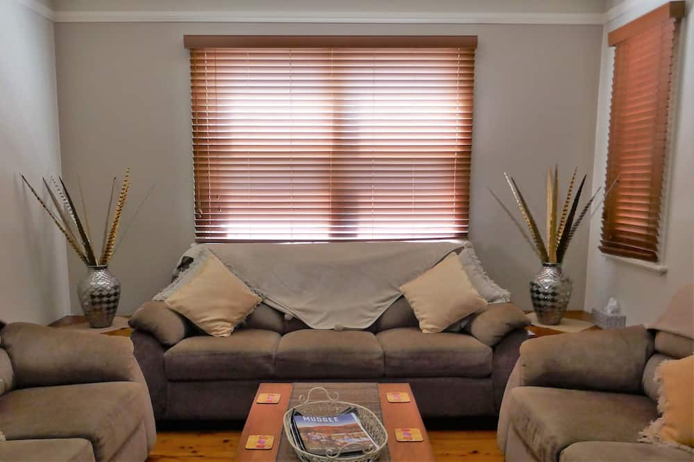 Cottage, 3 Bedrooms - Living Area