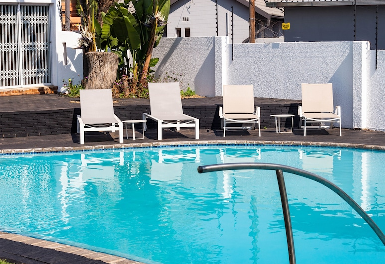 Alicats place executive lodge&conference, Sandton, Outdoor Pool
