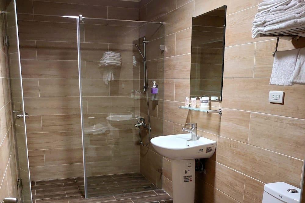 六人家庭房 - 浴室