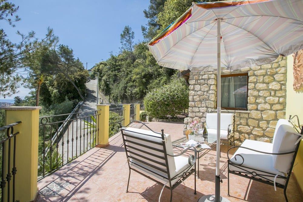 Villa familiar, Varias camas, 2 baños, con vista al jardín (Villa Monte Enrico) - Terraza o patio