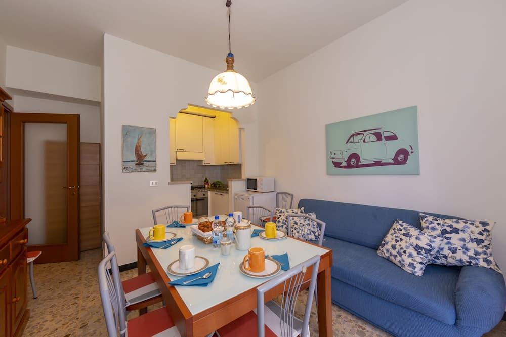 Apartament rodzinny, Wiele łóżek (Bluemind Apartment) - Salon