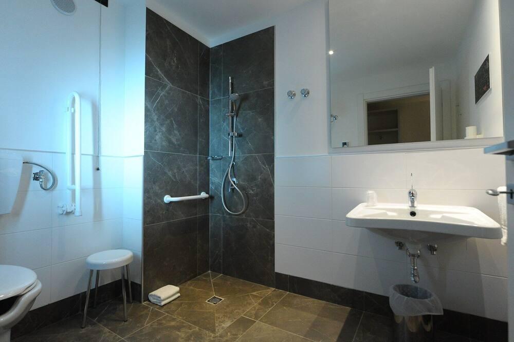 Deluxe-værelse med dobbeltseng eller 2 enkeltsenge - Badeværelse
