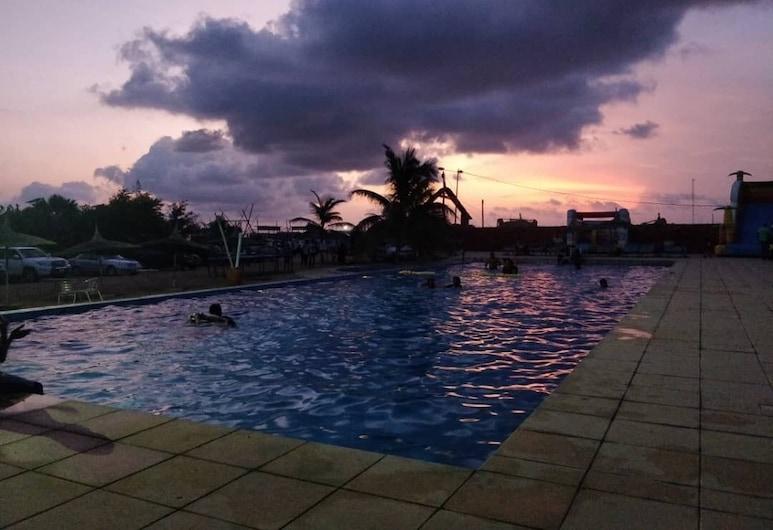 Marcelo Beach Club, Lome, Pool