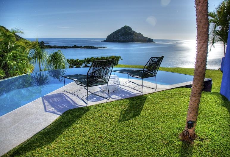 Casita Azul, Costa Careyes, Pool