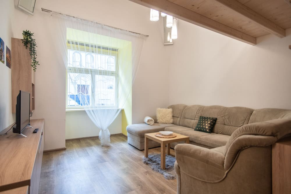 Apartment, 2 Queen Beds (Vitkova 22) - Living Area