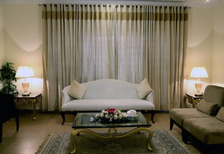Butterfly Guest House Phase 7 Bahria Town, 洛瓦平第, 行政雙人房, 客廳