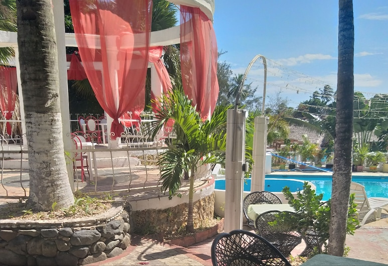 Club Tropical de los Santos, Boca Chica, Terrace/Patio