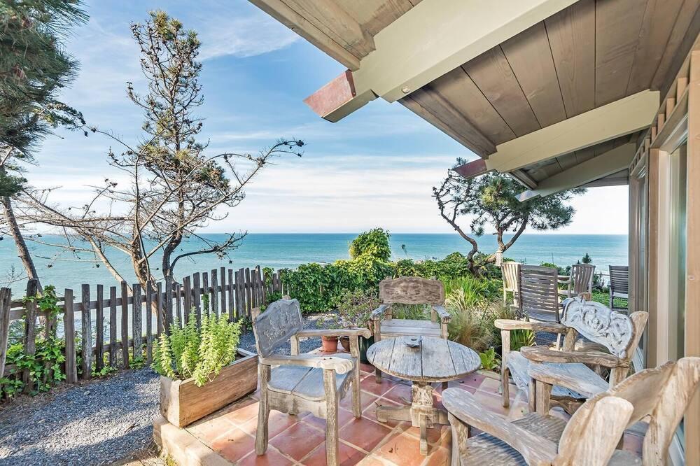 Dom, Wiele łóżek (D & R's Cliff Dwelling Paradise) - Balkon