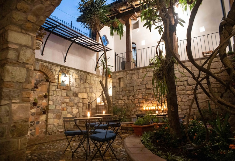 Casa Villamil Boutique Hotel, Copan Ruinas, Courtyard
