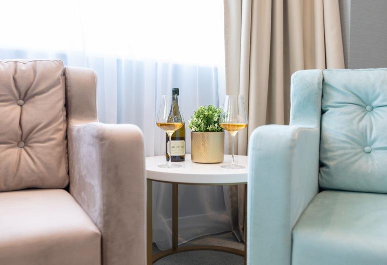 Hotel Pupin, Novi Sad, Suite, Living Room