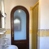 Traditional House, 1 Bedroom, Patio (Dammuso Bilo) - Bathroom Sink