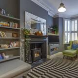 House (4 Bedrooms) - Bilik Rehat