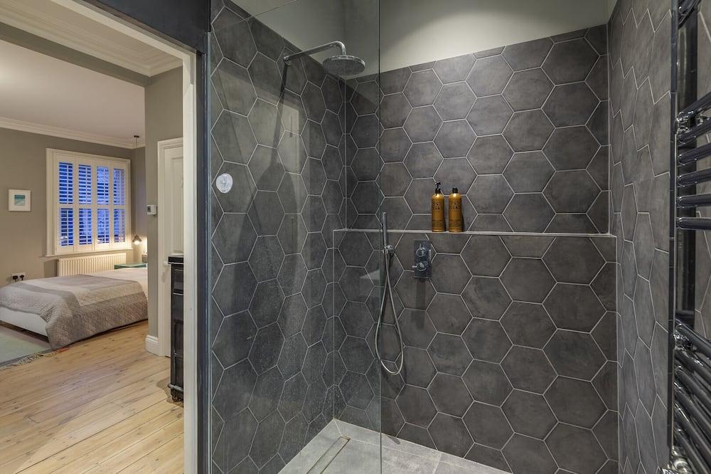 House (4 Bedrooms) - Bilik mandi