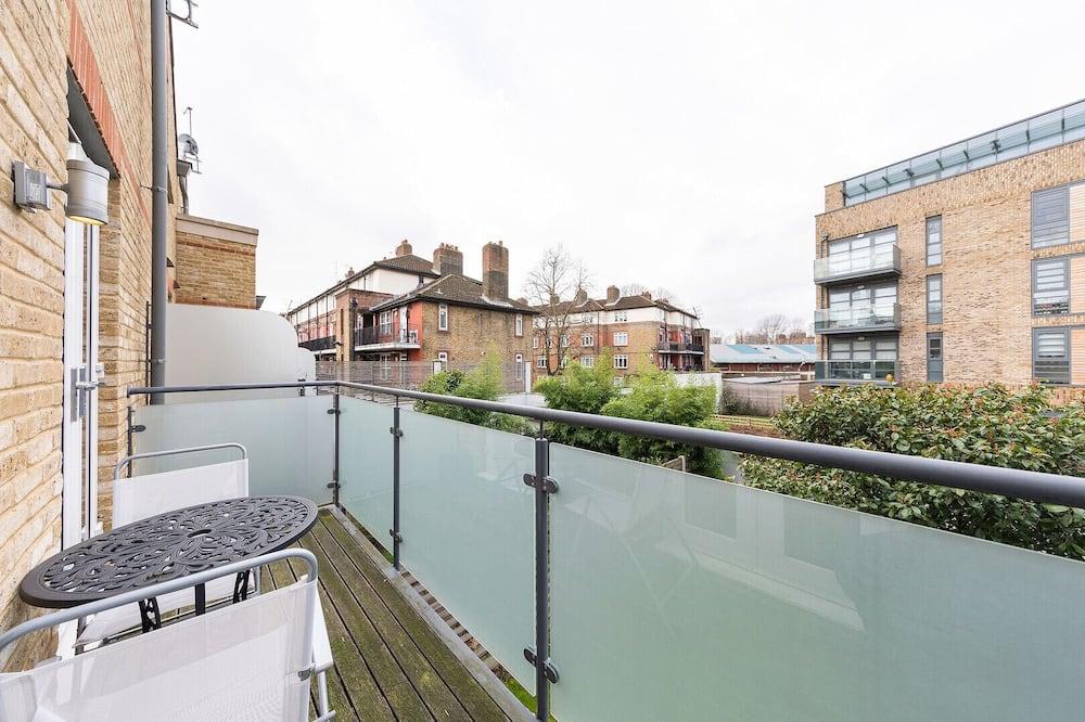 Rumah (4 Bedrooms) - Balkon