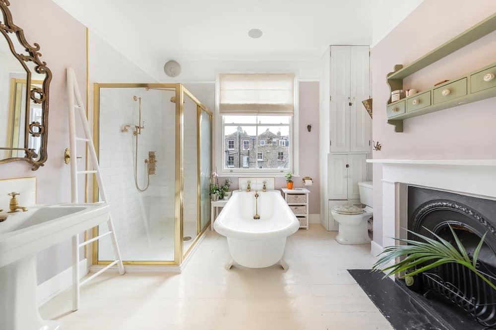 House (3 Bedrooms) - Bathroom