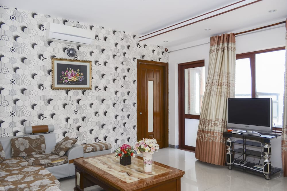 Panoramic Apartment, 3 Bedrooms (21D) - Living Room