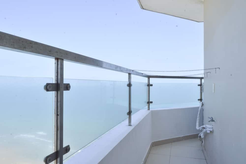 Luxury Apartment, 3 Bedrooms (24D) - Balcony
