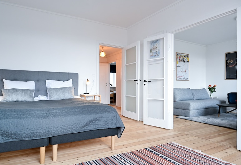 Modern 2-bedroom Apartment in the Family-friendly Suburbs of Copenhagen, Charlottenlund, Apartment, 2 Bedrooms, Room