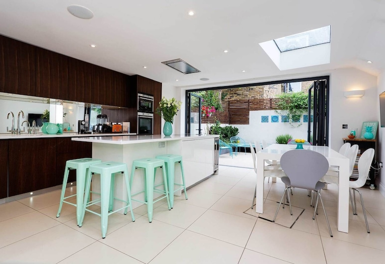 Turquoise Touch, London