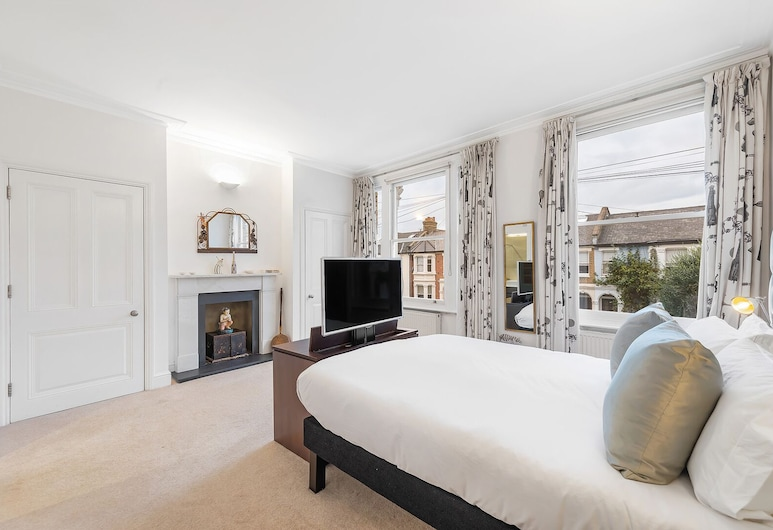 Percy Road Retreat, London, House (4 Bedrooms), Room