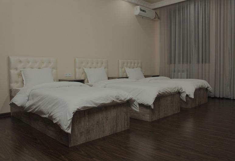 Hotel Xantora, Tashkent, Deluxe Triple Room, Guest Room