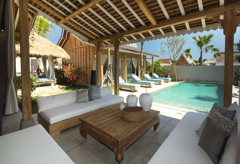 Luxury 4 Bedroom Villa With Private Pool, Bali Villa 2006, Κερομποκάν, Πισίνα
