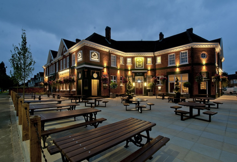 The Greenwood Hotel by Wetherspoon, Northolt, Hotel Front – Evening/Night
