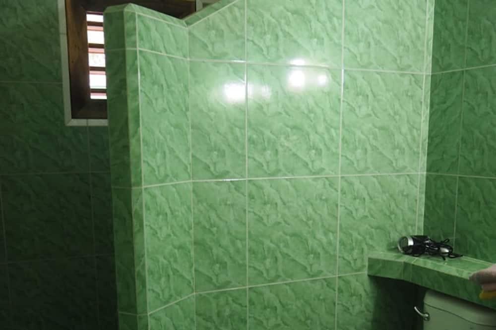 Basic Double Room 2 - Badezimmer