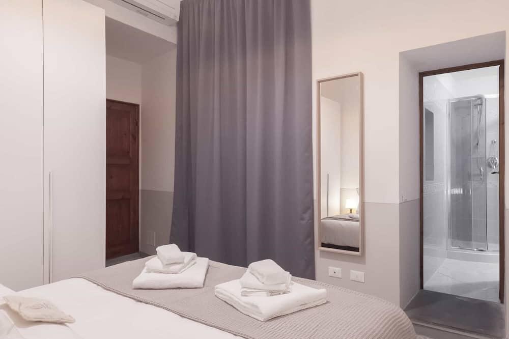 Apartamentai, 2 miegamieji, vidinis kiemas - Kambarys