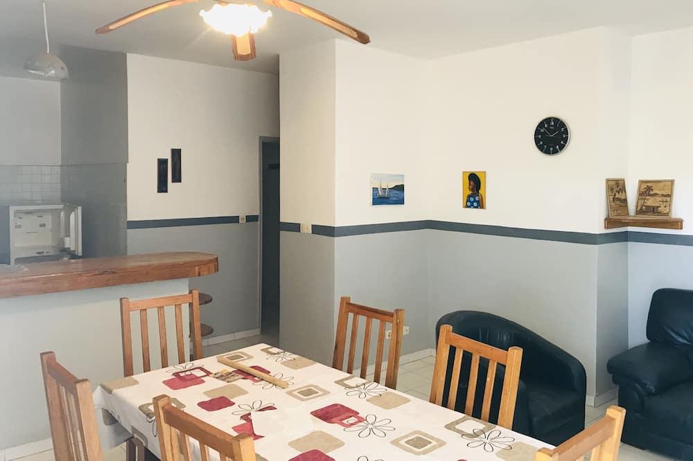 Lejlighed - Spisning på værelset
