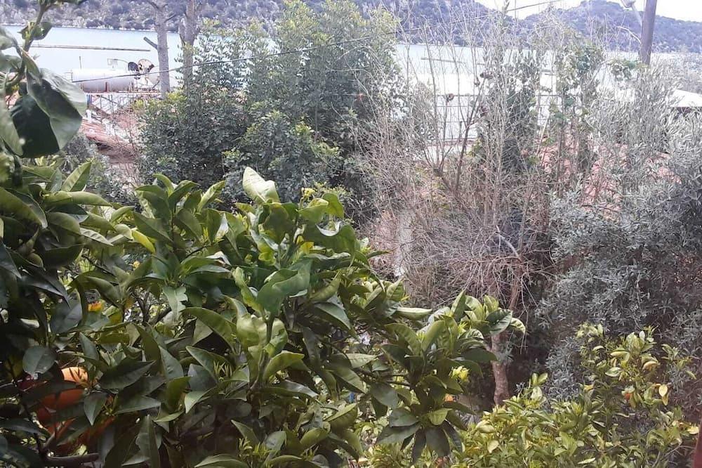Triple Room - Garden View