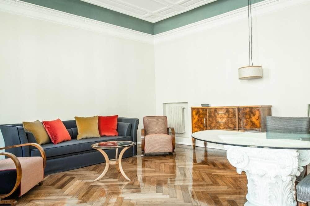 Apartment (for 2 people Via Pontaccio 17) - Wohnbereich