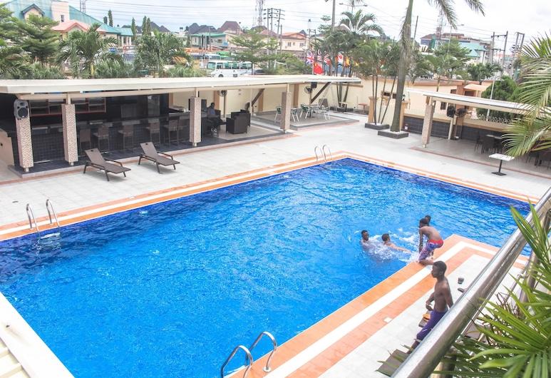 Arriva Suites, Port Harcourt, Außenpool