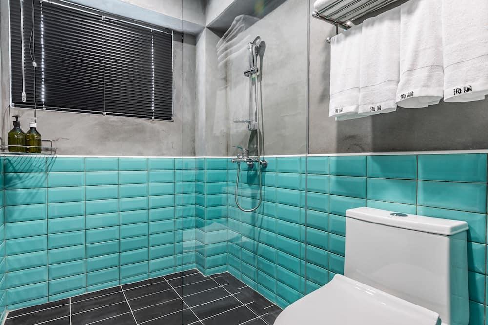 Superior Quadruple Room, Sea View - Bathroom