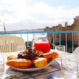 Holiday Apartment With Wi-fi, Air Conditioning And Panoramic Sea View Pets