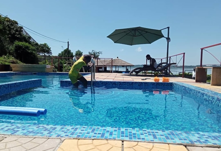 Nyange Resort and Marina, Entebbe, Buitenzwembad