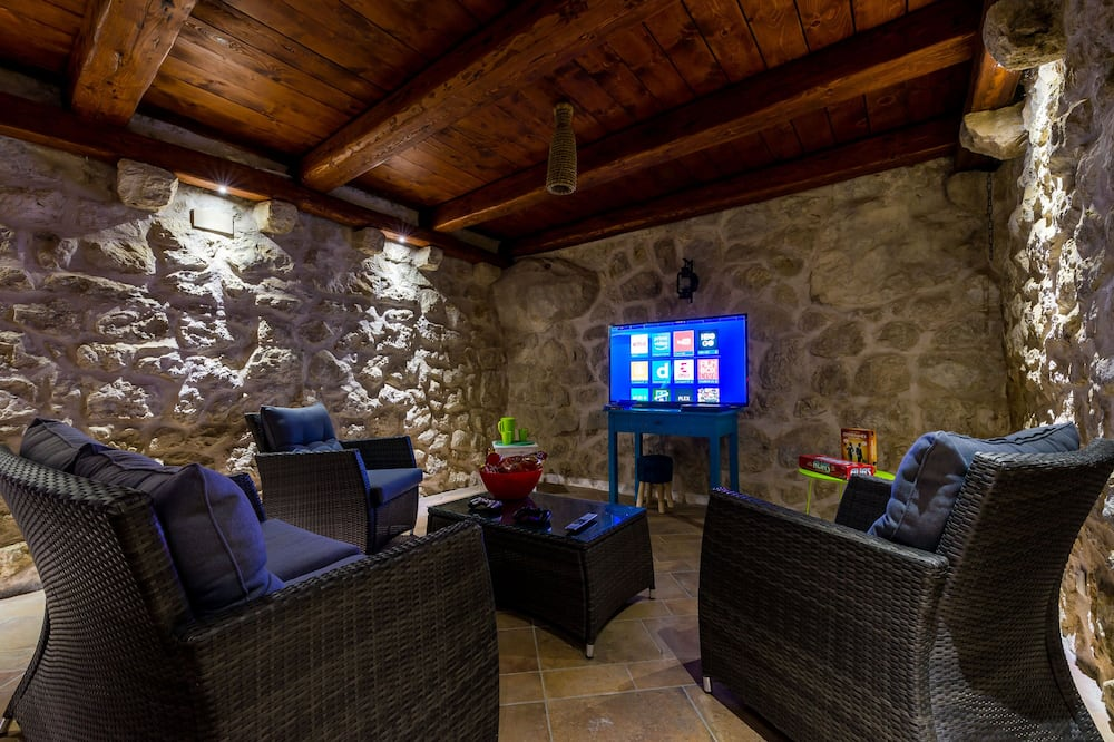 Villa (Two Bedroom House with Sea View) - Vardagsrum