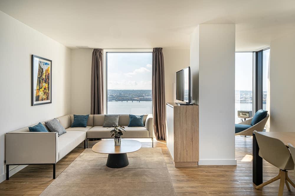 The Liverpool Condo - Living Area
