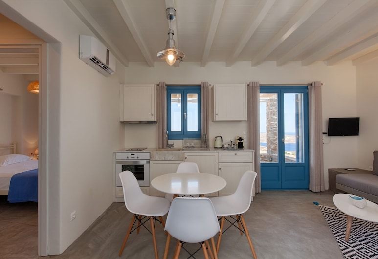 Serifosblue, Serifos, Deluxe Apartment, Living Room