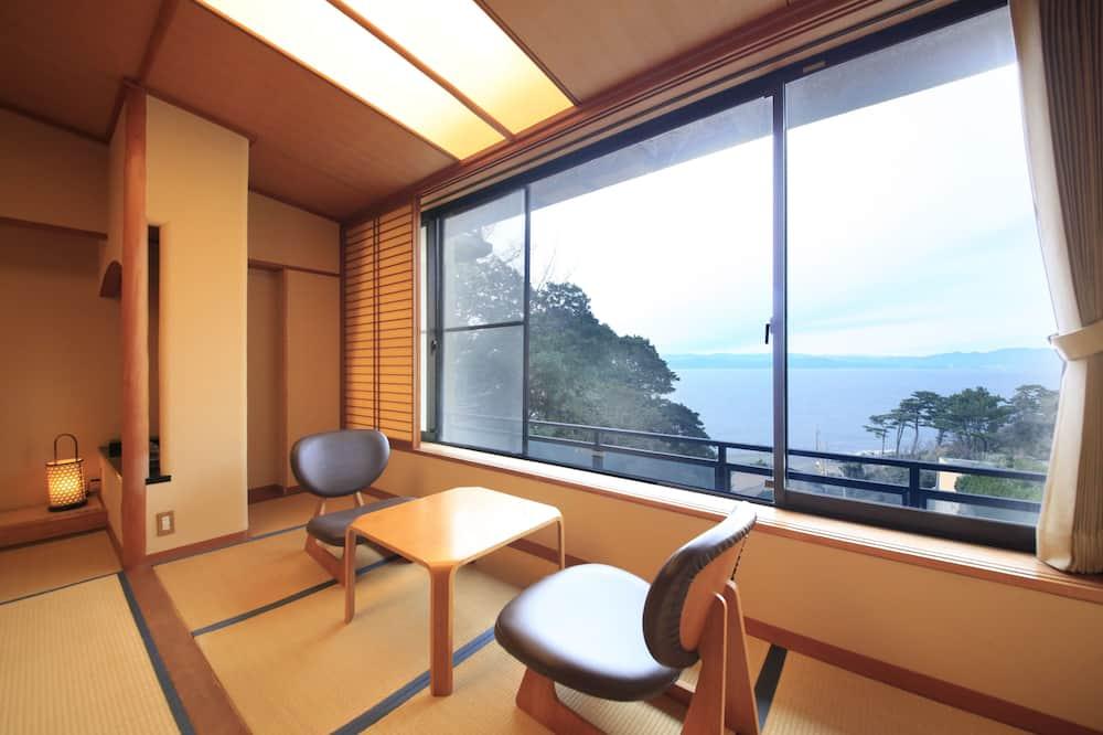 Standard Japanese Style Room - Living Area