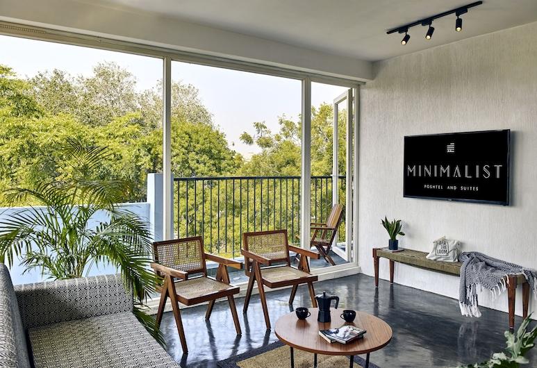 Minimalist Poshtel and Suites, New Delhi, Penthouse, 1 Bedroom, Living Room