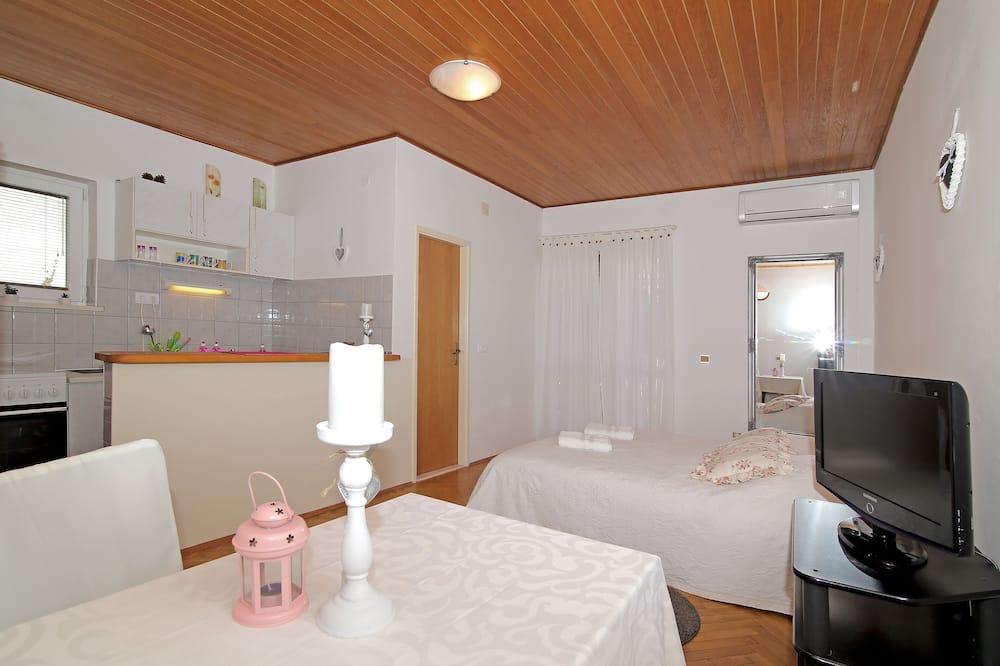Monolocale (Studio with Balcony) - Pasti in camera