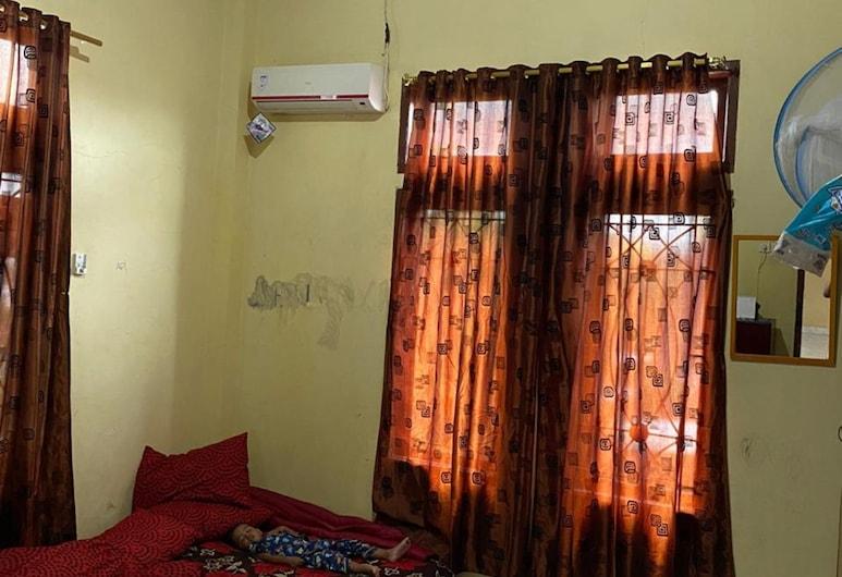 Homestay Nunung, Makassar, Standard Room, Guest Room