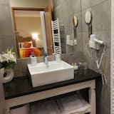 Comfort-Doppelzimmer (Safran) - Waschbecken im Bad