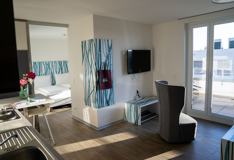 east Apart, Erlangen, Deluxe Apartment (east), Living Room