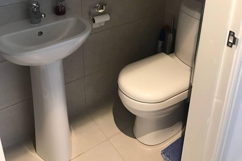 บ้านพัก, เตียงควีนไซส์ 1 เตียง - ห้องน้ำ