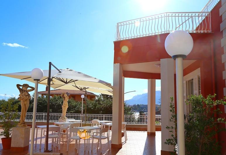 Villa Edera Rental Rooms, Santa Flavia, Terraza o patio